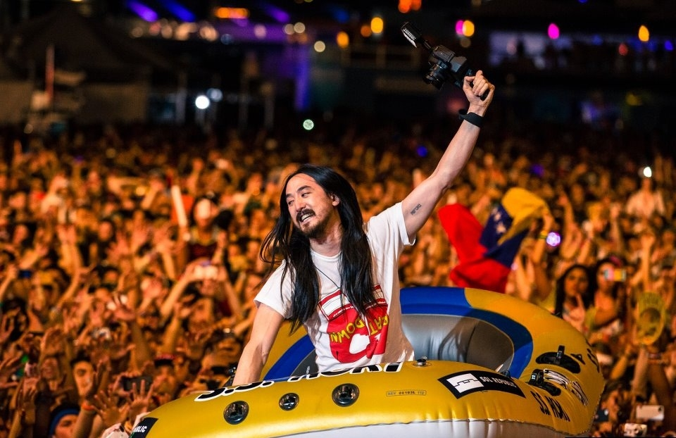 From Aoki's raft to Araabmuzik's MPC: Ultra's charity